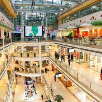 В Виннице оборвался лифт с людьми в популярном торговом центре