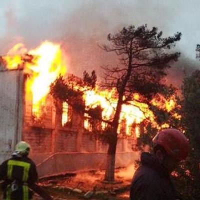 В Баку при пожаре в наркологическом центре погибли более 20 человек