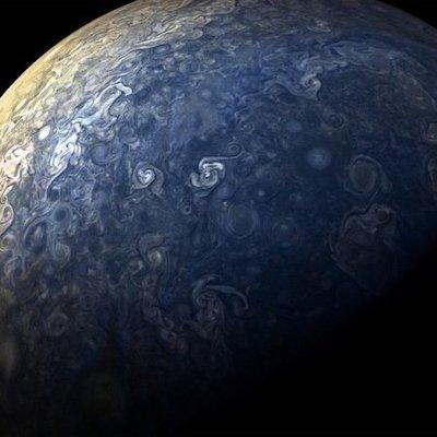 NASA показало удивительные кадры с Юпитера