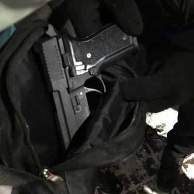 В Броварах 20-летний парень стрелял по людям из пистолета