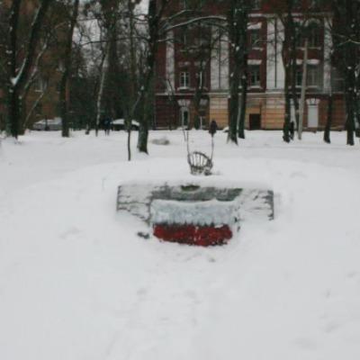 Вандалы жестко надругались над памятником УПА
