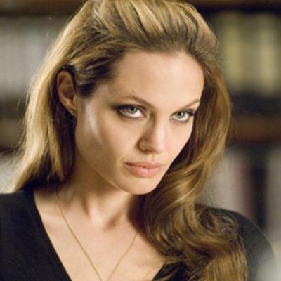 Анджелина Джоли снова проходит лечение у психотерапевта