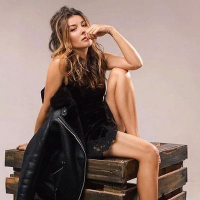 Жанна Бадоева предстала в стильном образе