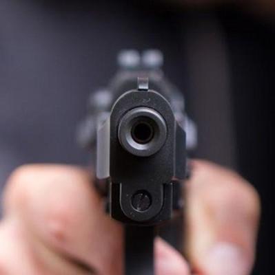 Пьяный полицейский открыл стрельбу в поезде