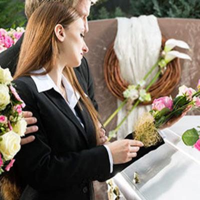 Крематорий вместо кладбища: в Киеве негде хоронить людей