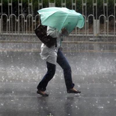 Дожди и сильный ветер обещают синоптики в Украине 12-15 марта