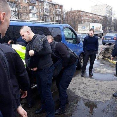 В Киеве авто проломило шлагбаум на территории Департамента патрульной полиции