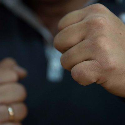 Под Киевом хулиганы в балаклавах ворвались на дискотеку и устроили жестокую драку