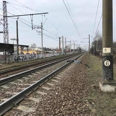 Во Львове на железной дороге нашли тело мужчины, разрубленное пополам