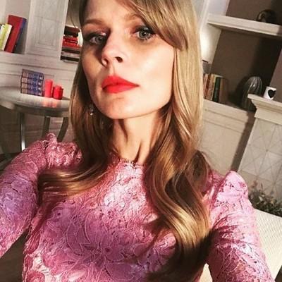 Ольга Фреймут примерила платье от Dolce & Gabbana за 2 тысячи евро