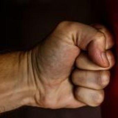 На Киевщине пьяный парень жестоко забил до смерти пенсионерку