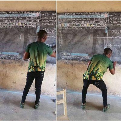 Деревенскому учителю в Гане, который мелом рисовал мониторы на доске, подарили компьютеры