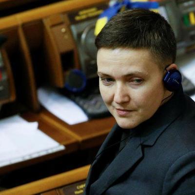 Савченко предложила украинцам обращаться к ней за помощью и номер своего телефона