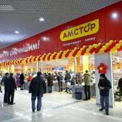 «Люди боятся идти в магазин»: в Киеве банды подростков громят супермаркеты
