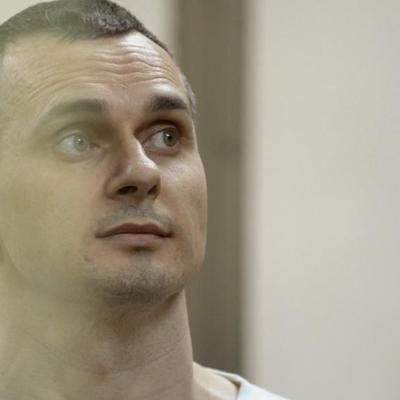 Сенцов умирает от отравления в российской тюрьме, - военный эксперт