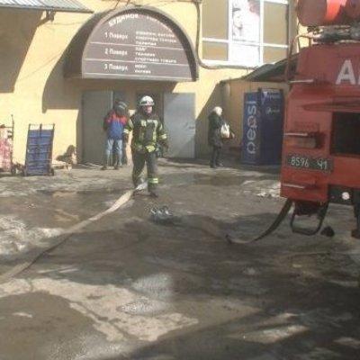 В Харькове горел девятиэтажный торговый центр