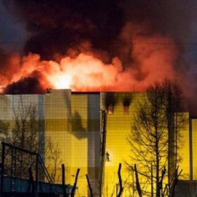 «Наши дети горели, а мы просто наблюдали»: в страшном пожаре в Кемерово погибли не меньше 64 человек