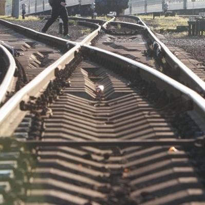 В Донецкой области женщина бросилась под поезд