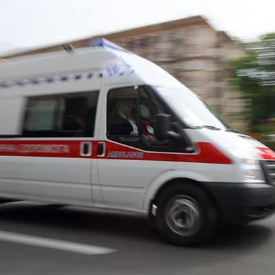 Ехали на срочный вызов: в Киеве герой парковки с пистолетом избил водителя скорой помощи