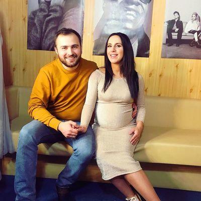 Молодые родители Джамала и Бекир скрывали свою любовь 5 лет
