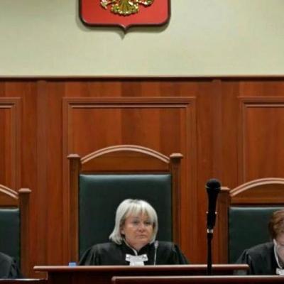 Женщина удовлетворила мужа-вора прямо в зале суда (видео 18+)