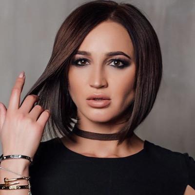 Ольга Бузова на обложке журнала «Playboy» похвасталась сексуальной фигурой