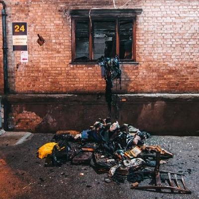 В Киеве во время пожара в жилом доме пострадал мужчина (фото)