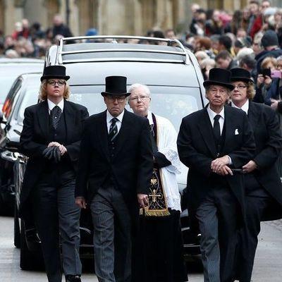 Гения физики Стивена Хокинга похоронили в Кембридже