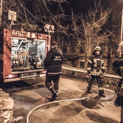 Бездомные оказались в горящем доме