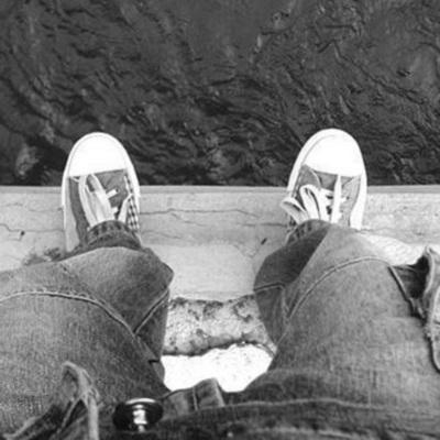 В Одессе мужчина пытался совершить суицид, спрыгнув с моста