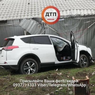 В Киеве авто влетело в МАФ