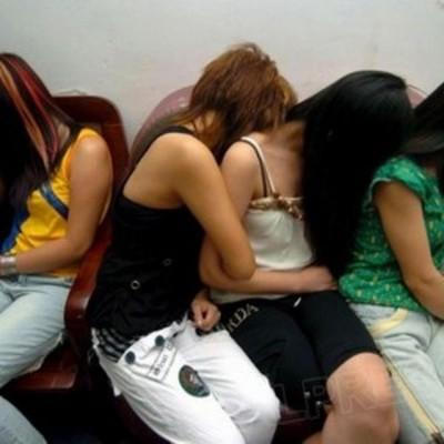 Группа полицейских привлекала женщин к занятию проституцией
