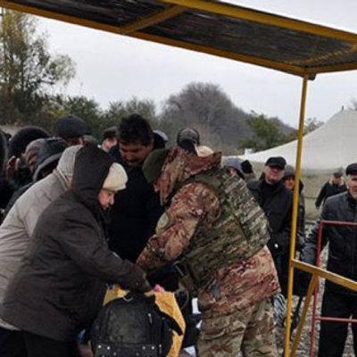 В «ЛНР» разрешили жителям «ДНР» провозить с собой продукты «без ограничений»