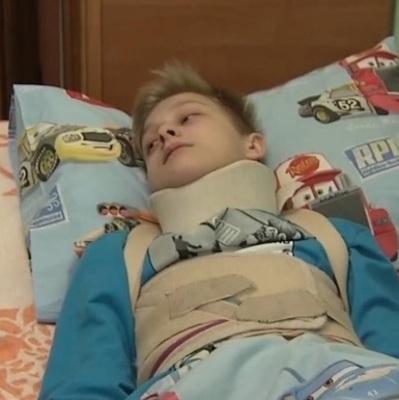 В Киеве школьники избили 12 - летнего одноклассника и сломали ему позвоночник