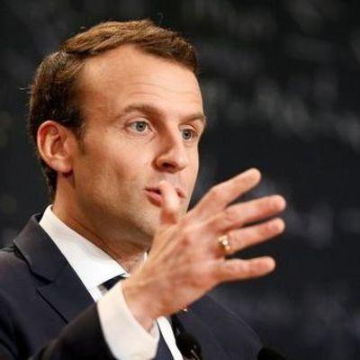 Во Франции уволят треть депутатов