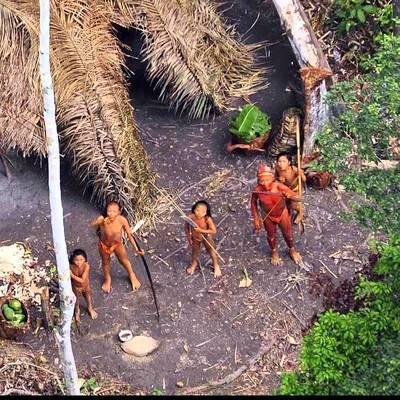 В Сети показали, как живет первобытное племя XXI века (видео)