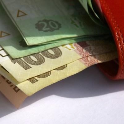 Минимальную зарплату до 6200 гривен поднимут специально перед выборами – экономист