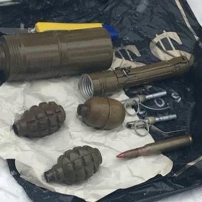 На автовокзале в Запорожье задержали военного с 3 гранатами и взрывчаткой