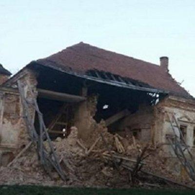 В Поморянском замке на Львовщине обвалилась стена