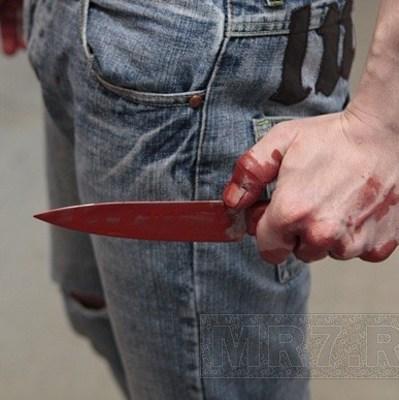 Неадекватный подросток с ножом напал на прохожего в центре Одессы