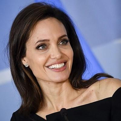 Анджелина Джоли попала в больницу