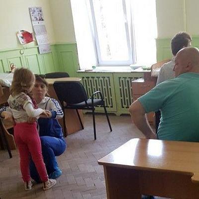 В львовском «Охмадете» пьяная врач принимала больных детей (фото)