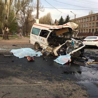 В Кривом Роге столкнулись маршрутка, легковушка и автобус, погибли 8 человек