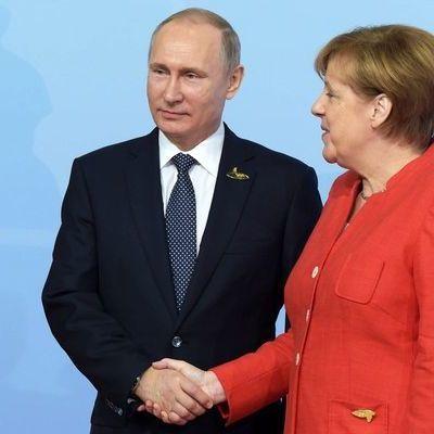 Путин в разговоре с Меркель назвал удары по Сирии актом агрессии