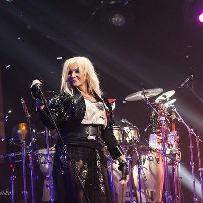 Экс-супруга Ирины Билык на ее концерте стаскивали со сцены за ногу (видео)