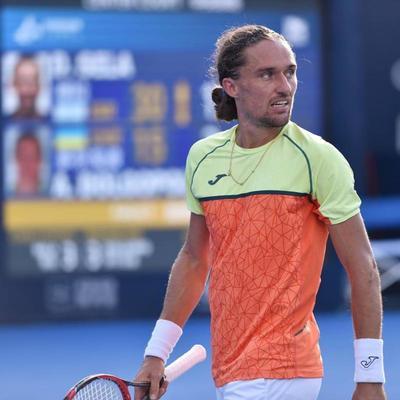 Лучший украинский теннисист вновь снялся с турнира из-за травмы руки