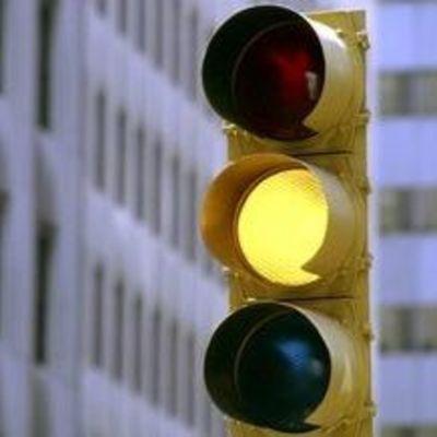 В Украине могут отменить желтый сигнала светофора