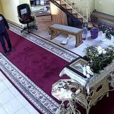 В Тернополе вор трижды перекрестился перед ограблением церкви
