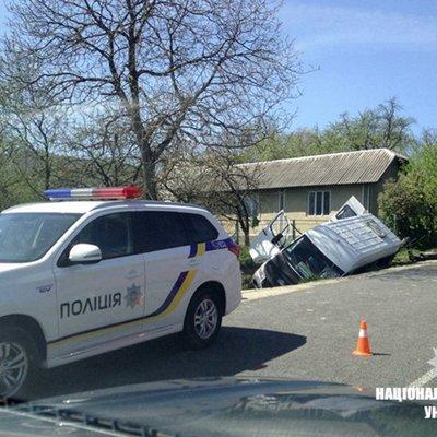 В Ивано-Франковской области автобус столкнулся с легковым автомобилем, один человек погиб, 11 госпитализированы