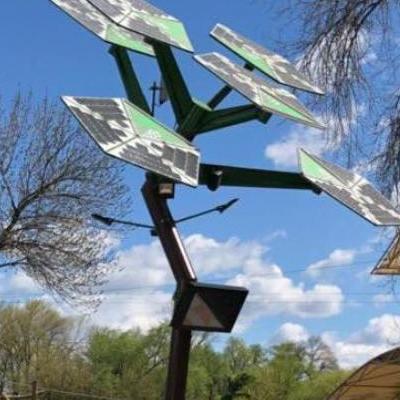 В Киевском парке установили дерево с Wi-Fi